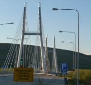 Bro over til Norge på den anden side af Tana-elven/Bridge into Norway on the other side of the river