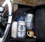 og to dåser tysk øl/and two cans of German beer