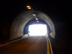 Lys for enden af tunnellen/A light at the end of the tunnel