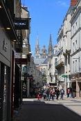 Kathedrale in Angers von der Rue de Saint-Aubin