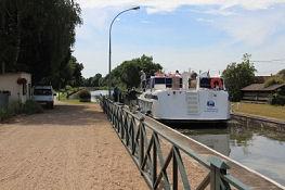 Canal latéral à la Loire, Schleuse