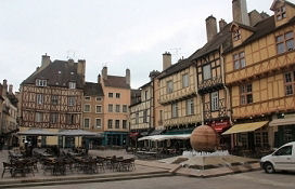 Place Saint-Vincent in Chalon-sur-Saône