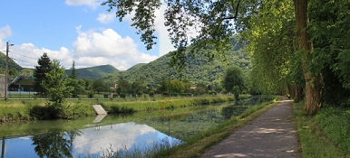 Radweg bei Deluz