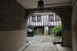 Tordurchfahrt in Baume-les-Dames