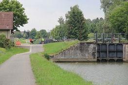 Canal du Rhône au Rhin, Schleuse 1 Nord, Beginn des ʺAbstiegsʺ zum Rhein