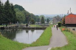 Canal du Rhône au Rhin, dichte Schleusenfolge bei Valdieu-Lutran