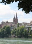 Basler Münster vom Radweg am rechten Rheinufer