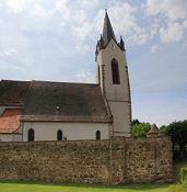 Hartmannswiller, Kirche mit Wehrmauer