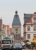 Speyer, Maximilianstraße mit Altpörtel