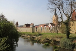 Berching, Stadtmauer und Stadtpfarrkirche