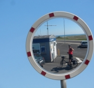 Selfie vha. et spejl i Bøjden færgehavn/A selfie by way of a mirror at Boejden ferry port