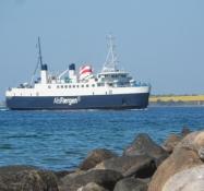 Als-færgen på vej ind mod havnen/The ferry to Als is about to dock the port