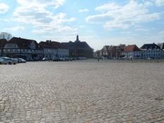 Den imponerende Paradeplads i Rendsborg/The impressive Parade Square in Rendsburg