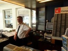 Kaptajnen i ʹskibshilsningsanlæggetʹ på Willkomm Höft/The captain of the ʹship greeting pointʹ