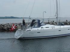 Bernhard sejler af sted hjem fra Hoeruphav/Bernhard sails off home from Hoeruphav