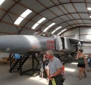En sovjetisk MiG 23 Flogger B i hangaren/A Soviet MiG-23 Flogger in the hangar