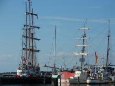 Flere flotte træskibe skaber miljø/The wooden ships create a nice atmosphere