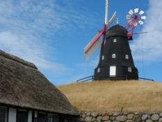 Skovsgaards vindmølle er meget velholdt/The wind mill is very well kept