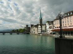 Zürich, von Rathausbrücke zur Fraumünsterkirche