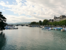 Zürich, Blick Richtung Stadthausquai und Quaibrücke
