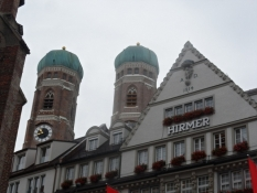 Frauenkirches kupler er byens vartegn/The cupolas of Our Ladyʹs church are a landmark of Munich
