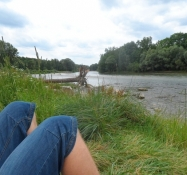 Afslapning ved Isar-floden om formiddagen/Relaxing by the Isar-river in the morning
