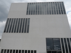 Udflugt ind til det nye nazi-dokumentationscentrum/A visit at the new nazi docu-centre