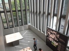 Inde i det spritny nazi-doku-center/Inside the brand new nazi documentation centre