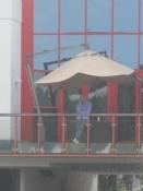 Sportschef Mathias Sammer viser sig på balkonen/Sports manager Mathias Sammer on the balcony