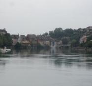 Laufenburg ligger smukt ned til floden/The town of Laufenburg sits on the river bank