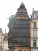 Ét af Strasbourgs mange bindingsværkshuse/One of the many half timbered houses in Strasbourg