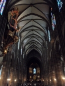 Inde i den storslåede gotiske katedral/Inside the magnificent Gothic cathedral