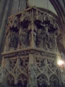 Prædikestolen har smukke træskærerier/The pulpit is elaborately decorated with wood carvings