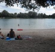 Eftermiddagshvil ved en badesø nær Rastatt/Afternoon break at a bathing pond near Rastatt