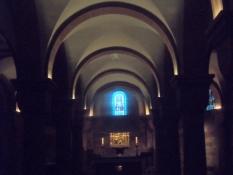 Billede fra østkrypten, stærkt restaureret i 19. årh./In the Eastern crypt, heavily reconstruced