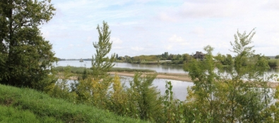 Loire hinter Blois