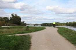 Loire-Radweg zwischen Beaugency und Meung