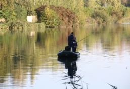 Angler am Kanal