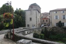 Confolens, Pont sur le Goire