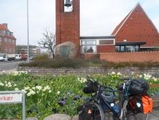Hvil ved Hvidovre kirke/Resting near the church of Hvidovre
