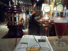 Baren med øl, ølkort og barpige/The bar with beer, beer menu and bar maid