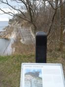 Spor efter skæring af sten i klinten/Traces from stone cutting in the cliff