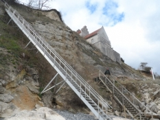 Trapper ned til stranden ved kirken/Stairs down to the beach at the church