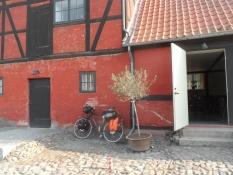 Indgangen til Krenkerup gårdbryggeri/The entrance to Krenkerup manor brewery