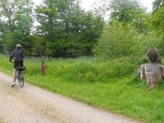 Vi cykler ind i Gråsten-skovene/Cycling into the Graasten forests