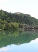 Die Hollenburg über dem Ferlacher Stausee