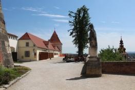 Hof des äußeren Schlosses in Ptuj