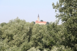 Blick von der Donaubrücke zurück auf Ilok