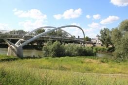 Fußgänger- und Radlerbrücke über die Theiß in Szolnok