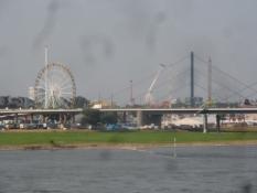 Udsigt til byfesten ʺKirmesʺ i Düsseldorf/A view of the festival ʺKirmesʺ in Dusseldorf